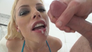 ebony bbw eats friends pussy