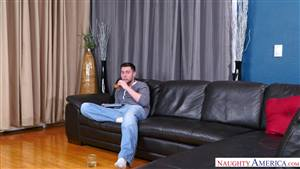 big booty tranny fucks guy